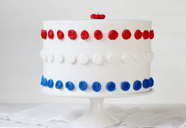 Red, White, & Blue Cake {Patriotic Cake}