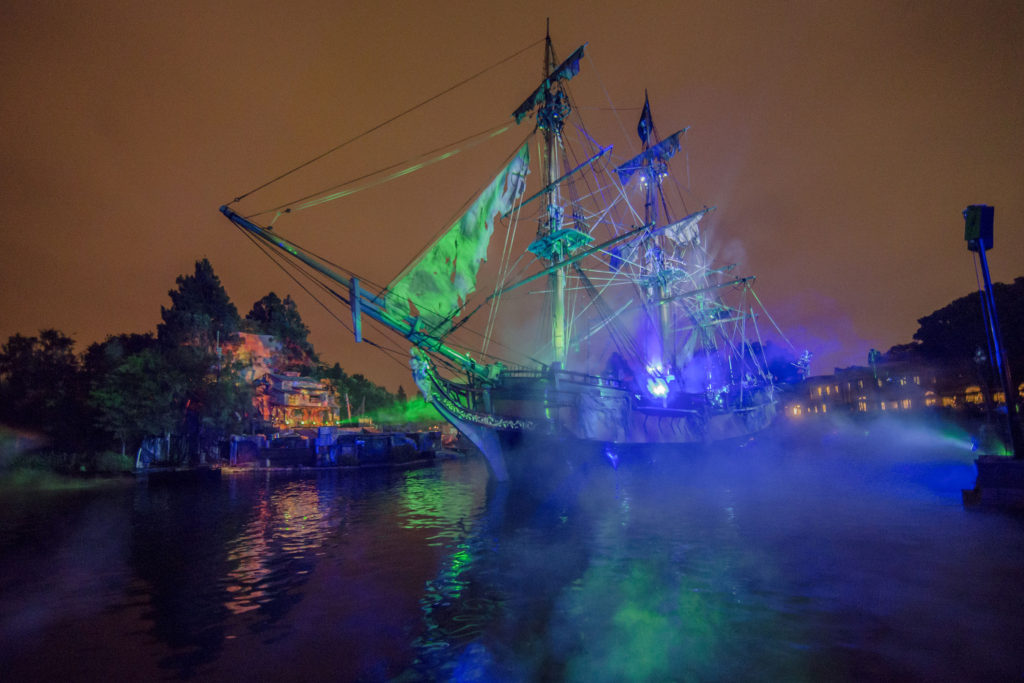Fantasmic! Returns to Disneyland Resorts - Fun Facts, History, and More!
