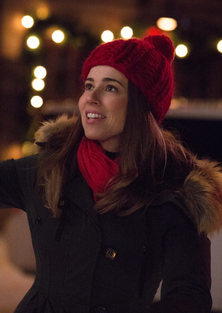 Linda Cardellini Talks CoParenting and Holiday Traditions in Daddy's Home 2